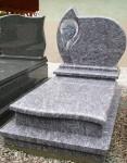 Pomnik cmentarny, rzeźbiony