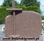 Nagrobkowa tablica napisowa z brązowego granitu z krzyżem