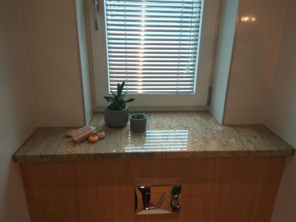 Parapety wewnętrzne kamienne do łazienki (zdjęcie nr 05)